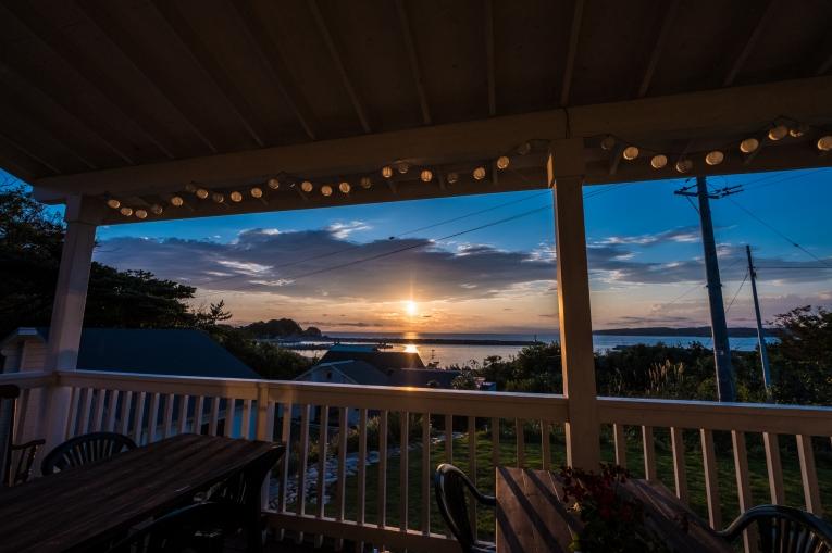 田代島観光に便利な離島の宿「潮美荘」の施設案内のテラス紹介