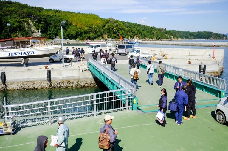 仁斗田で下船 猫島で有名な「田代島」と潮美荘がある「網地島」を巡る離島の旅