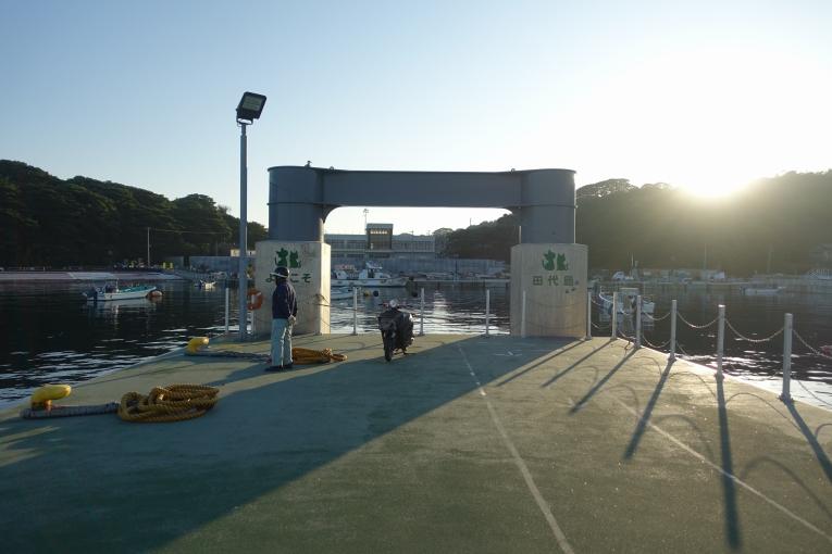 フェリー乗り継ぎのルール 猫島で有名な「田代島」と潮美荘がある「網地島」を巡る離島の旅