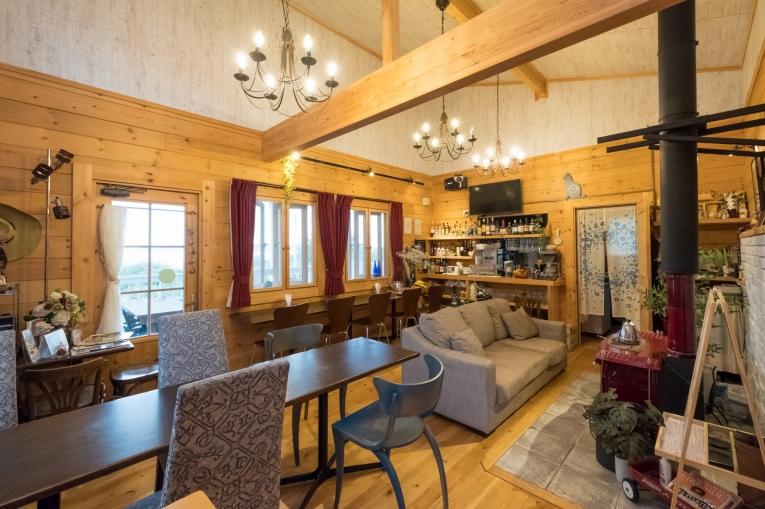 潮見荘の管理棟内部 猫島で有名な「田代島」と潮美荘がある「網地島」を巡る離島の旅